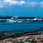 Mallorca - Küste vor Ses Salines mit Booten